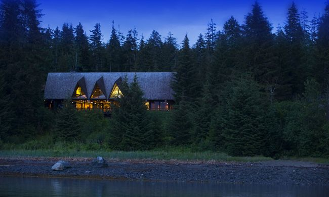 Glacier Bay Lodge at night